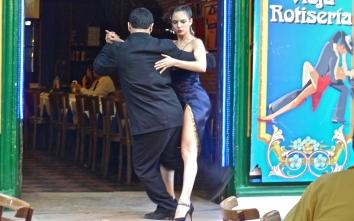 Tango Dancing in El Caminito, Buenos Aires, Argentina